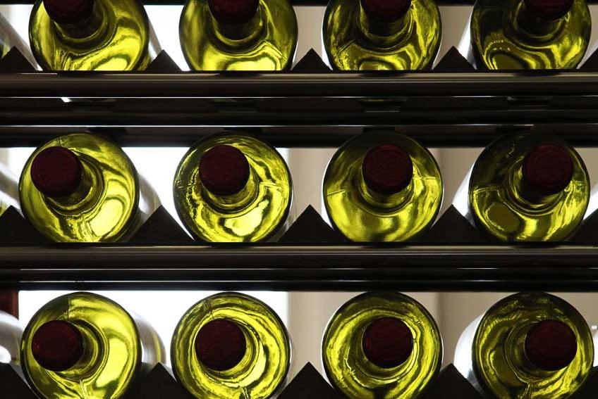 photo de bouteilles de vin blancs