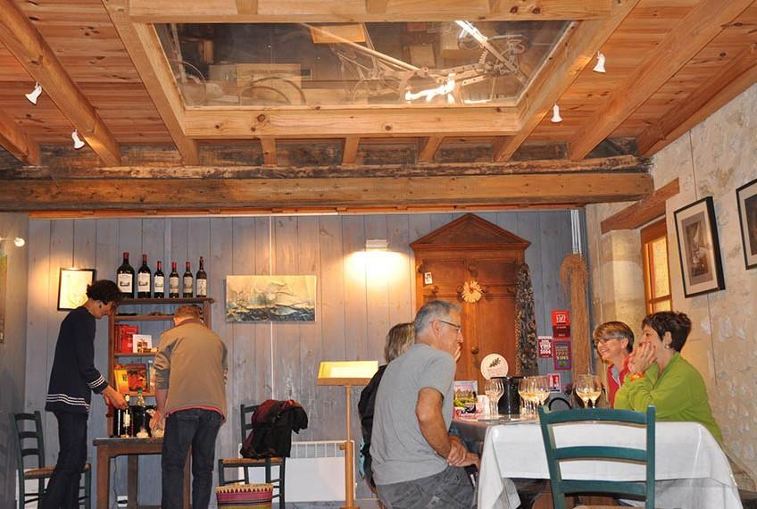 photo d'un atelier de dégustation de vins de bordeaux