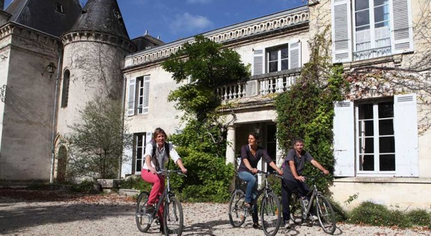 Bordeaux cycling wine tour and tasting wine