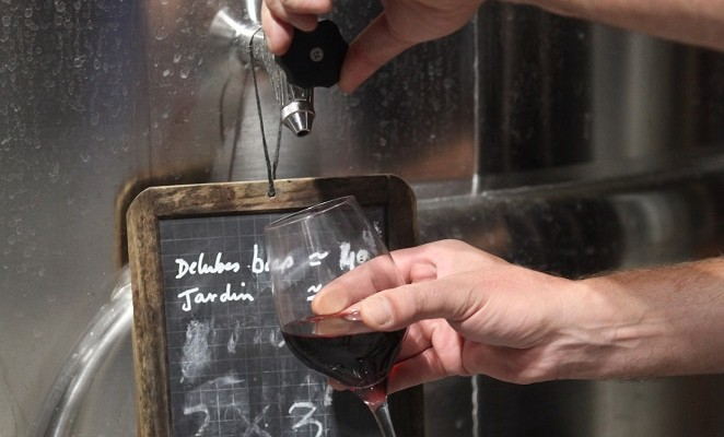 Visit and tasting wine chateau bordeaux