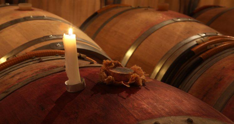 chai à barriques du Château Bardins