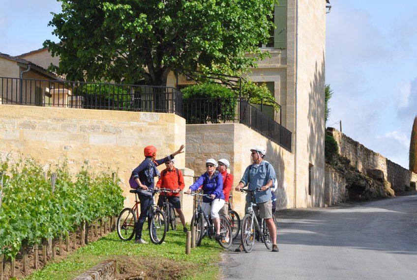 vélo dans vignoble bordeaux animé par Pascale Larroche