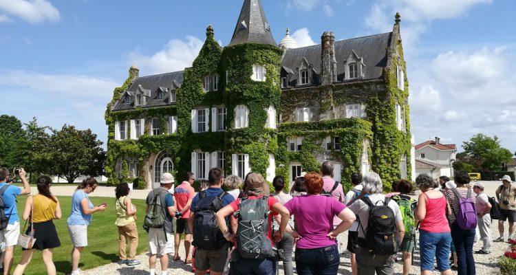 groupe en visite au chateau
