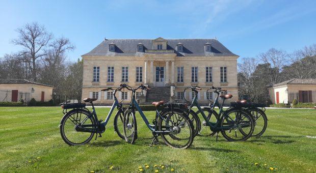 visite des chateaux à vélos électrques à bordeaux